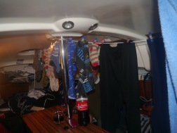 Wir trocknen unsere Wäsche im Schiff