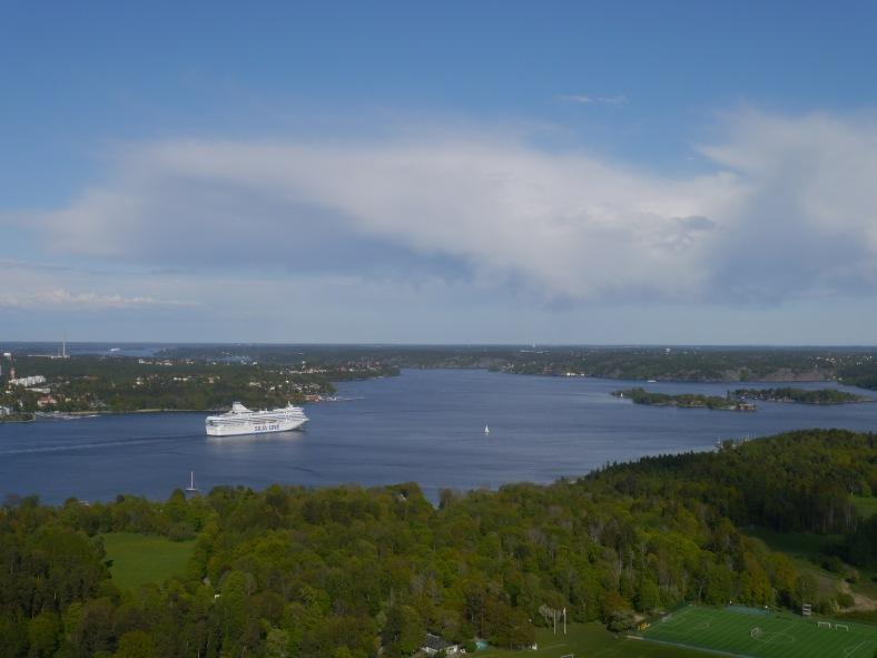 Von oben fotografiert Stockholm mit Schären