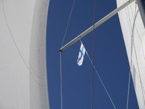 Wir erreichen das finnische Festland. Und hissen unsere letzte Gastlandflagge.