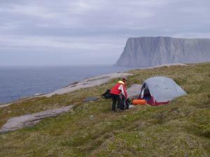 unser Zelt mit Blick auf das touristische Nordkap