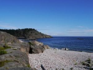 Eine weitere Bucht nur mit Kieselsteinen...