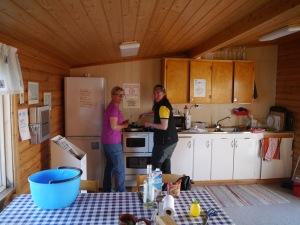 Die Frauen kochen...